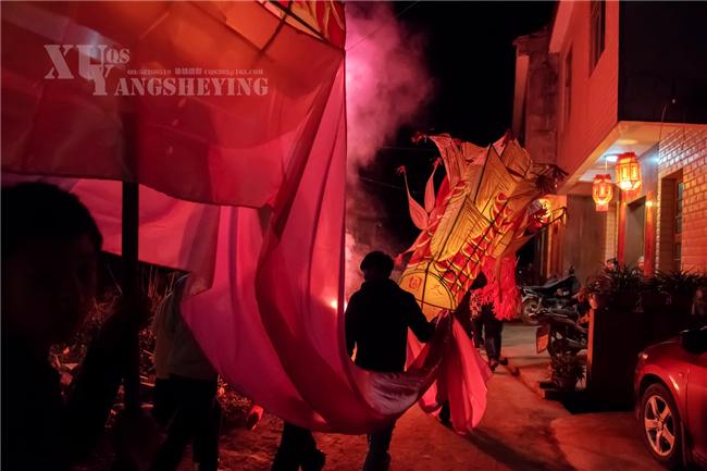 【美图】等了800年的南宋灯笼文化盛会:汉服美女扮靓古村落!
