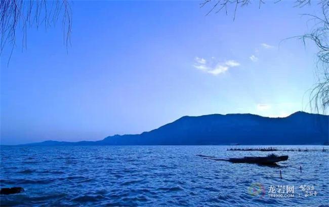 5h),游览【金梭岛】(约60分钟)乘船登上洱海里最大的岛屿,游览千年古