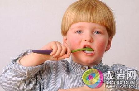 可爱外国小孩萌头像吃糖